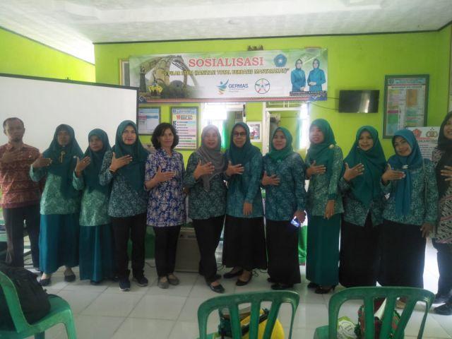 Ketua TP.PKK Kabupaten Pringsewu Ibu Hj. Nur Rohmah Sujadi membuka acara Sosialisasi Sanitasi Total berbasis Masyarakat STBM 5 Pilar