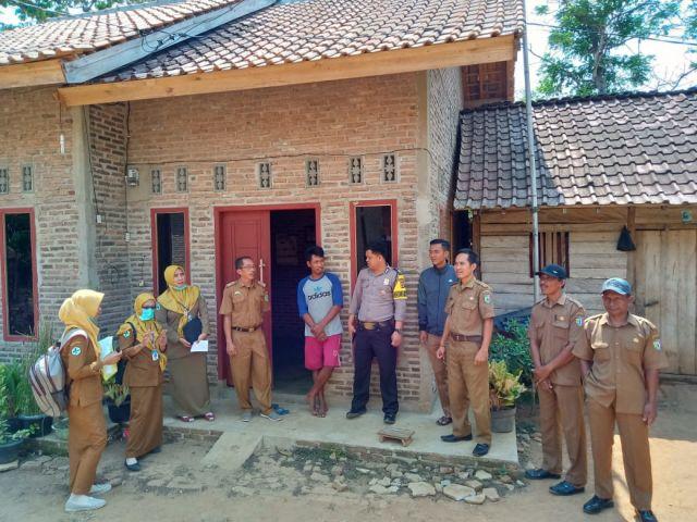 Monev STBM Sanitasi Total Berbasis Masyarakat atau Gebrak ODF di Pekon Gumukmas Kecamatan Pagelaran