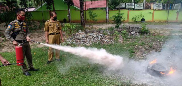 Simulasi Pemadam Kebakaran dari BPBD Kabupaten Pringsewu