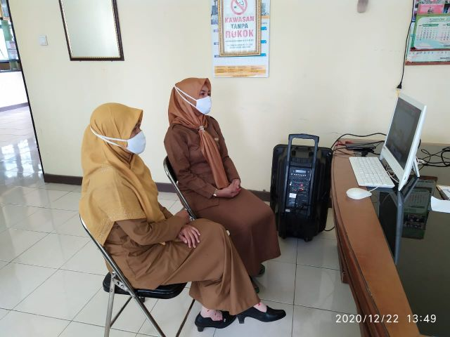 Virtual Meeting Ketua TP PKK Provinsi Lampung dengan Kader - kader PKK