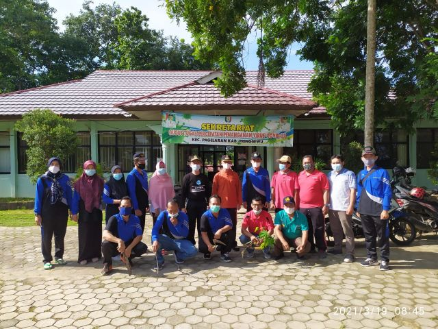 Jumat bersih di Kecamatan Pagelaran bersama Bupati Pringsewu