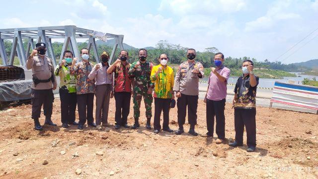 Peninjauan Lokasi Jembatan Way Sekampung di Pekon Lugusari Kecamatan Pagelaran